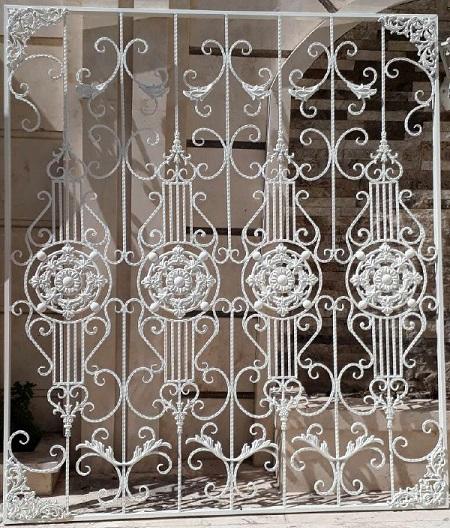 حفاظ پنجره ساختمان آهنی ساده و فرفورژه در تهران و کرج