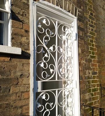 حفاظ پنجره آهنی قیمت